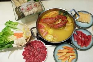 新出夏日限定生果湯底!高質任食海鮮火鍋