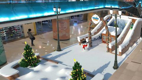 黃埔人造雪樂園 瀡「雪地滑梯」