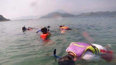 $360西貢橋咀浮潛 近距離觀賞珊瑚、小丑魚