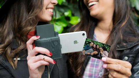 Prynt Pocket電話殼影出AR動態照片 手機變身即影即有相機!