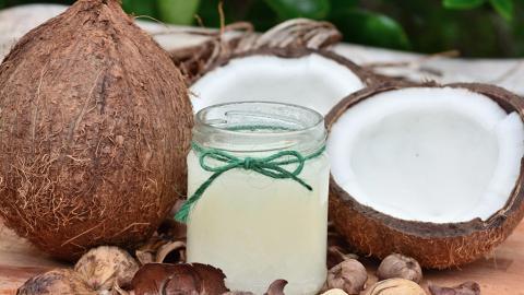 食用椰子油會引起心臟病發?德國大學教授:椰子油是純毒藥