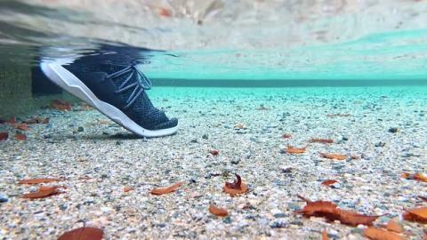 落雨出街唔怕整濕腳!雨季防水波鞋/襪/鞋套