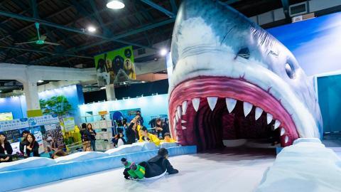 【暑假好去處】日本生物體驗展襲港搶先睇!6大主題區/扮企鵝勇闖4米高鯊魚口