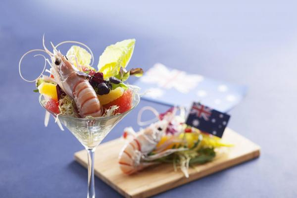 倚窗閣現推出「澳洲海岸滋味」自助晚餐 (圖:fb@the kowloon hotel)