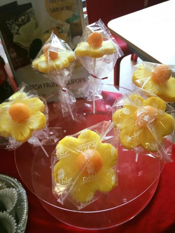 花型菠蘿 (圖:FB@Edible Arrangements Hong Kong )