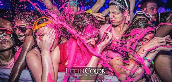圖:FB@Life in Color Worlds Largest Paint PartyHong Kong