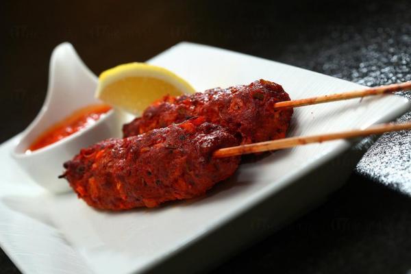 印度羊肉串配蕃茄醬