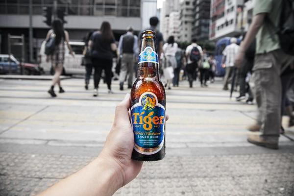 Tiger Beer街頭免費派啤酒、亞洲小食