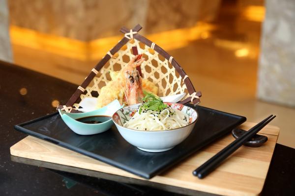 日本大蝦及野菜天婦羅配稻庭麵