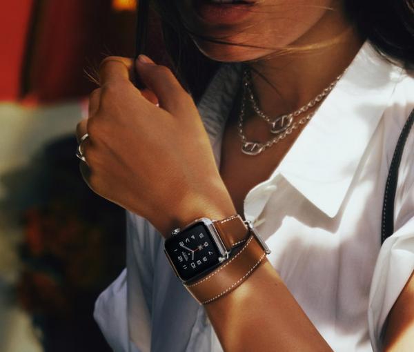 Apple Watch 與 Hermès 合作設計的皮錶帶 (圖: Apple)