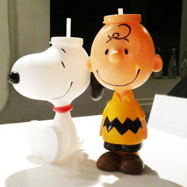 邊睇戲邊儲! Charlie Brown、‪Snoopy‬水樽香港有得買