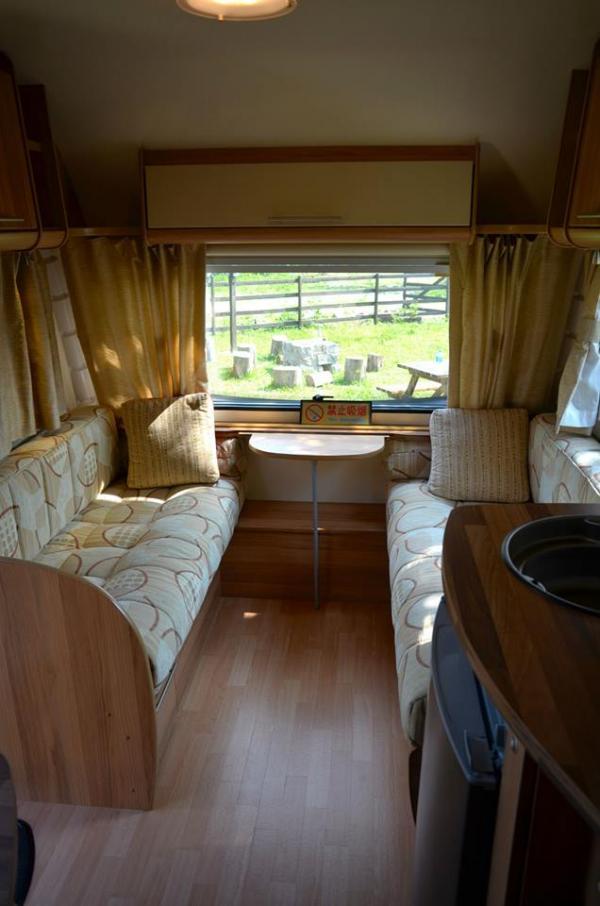 小型露營車車內設備