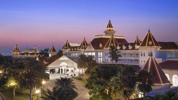 同行免費!迪士尼酒店自助餐夏日優惠