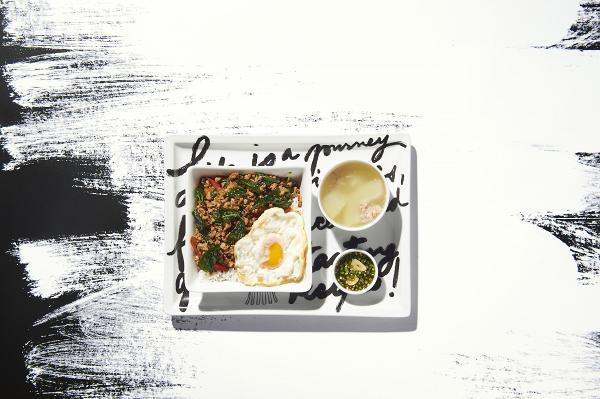 香草辣椒炒雞/豬肉碎配白飯 獨家優惠價︰HK$ 88