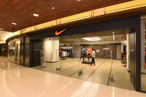 4折買Air max!6千呎Nike Factory Store開幕