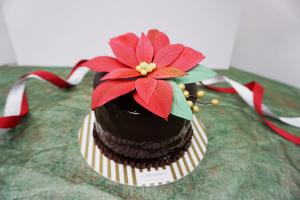 幾可亂真!靚爆聖誕花朱古力蛋糕