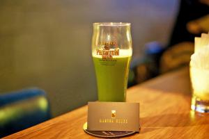 女生至啱!中環酒吧創新抺茶啤酒