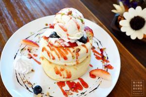 [荃灣] Aroma Dessert Cafe ‧ 開業不久,價格親民的厚班戟甜品店