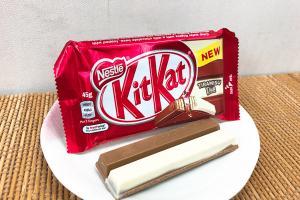 KitKat新口味!Tiramisu兩色朱古力