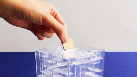 易入難出!玩贏先拎到錢 3D迷宮儲錢神器