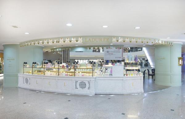 Ladurée Tea Room 茶室設於銅鑼灣時代廣場。