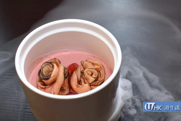 冰鎮玫瑰荔枝燉蛋配脆脆玫瑰