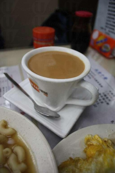 熱奶茶香滑濃郁。