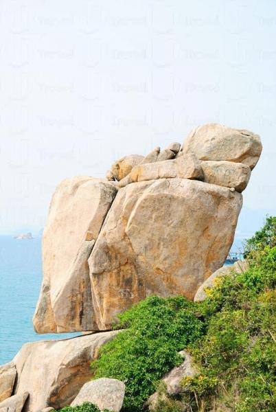 島上的「響螺石」獲選為「十大香港最美岩石」之一。