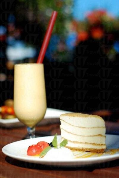 鄉村藝術館的招牌菜--木糠蛋糕配鮮芒果沙冰。