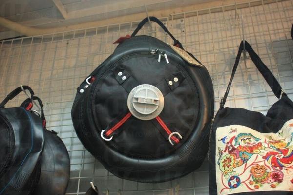 輪胎亦能成為手袋物料。