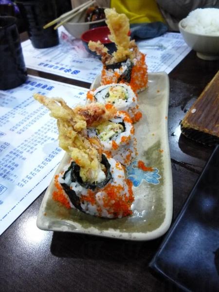 田中日本料理的軟殼蟹飯卷頗為香脆,飯量頗多。(相片來源:Clara Lee)