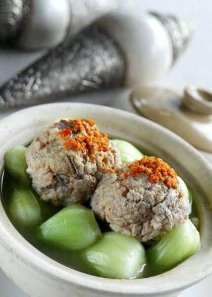 夜上海為食客帶來款款扣人心弦的傳統上海菜。