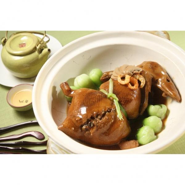 煲仔菜式海味葫蘆鴨。