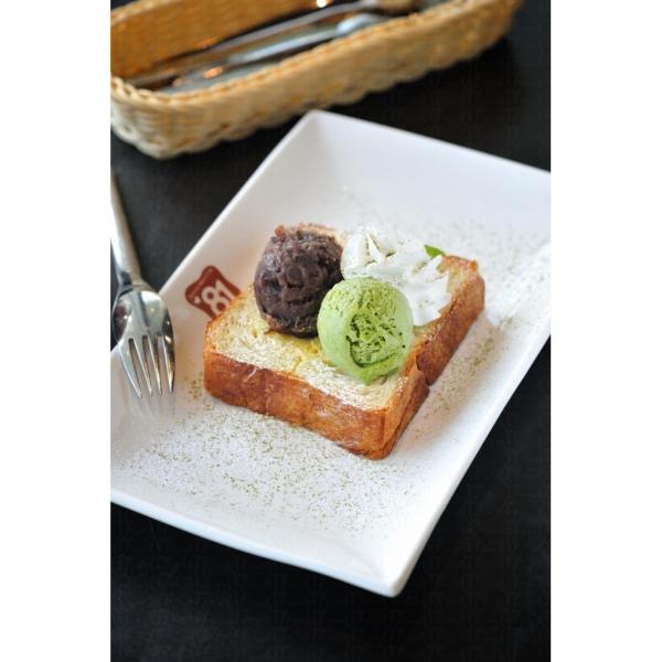 小倉抺茶:厚多士配以雪糕,味道獨得香滑。