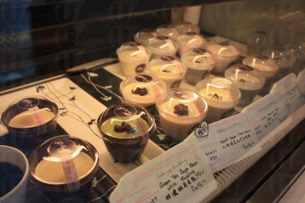 凍櫃裡放滿各式各樣的日本甜品,賣相十分精緻。