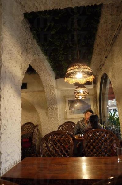 兩位食客就可獨享四人檯,食客可舒舒服服食大餐。