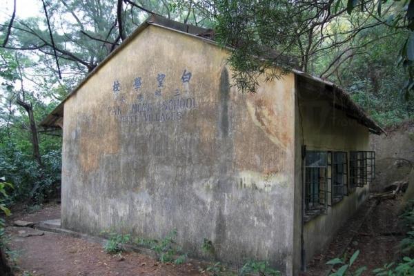 荒廢的白望學校是不少喜好廢墟攝影愛好者的好題材。