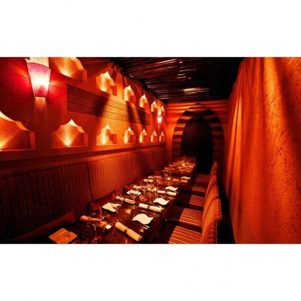 RA Restaurant & Lounge 裝修得神秘又高尚。