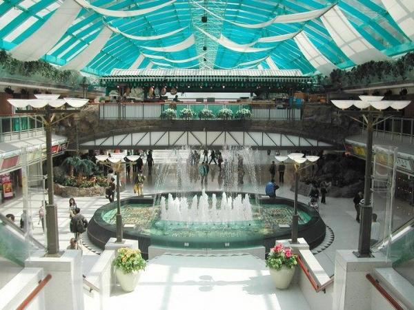 新港城提供一站式購物娛樂體驗,是馬鞍山最旺的消費熱點。