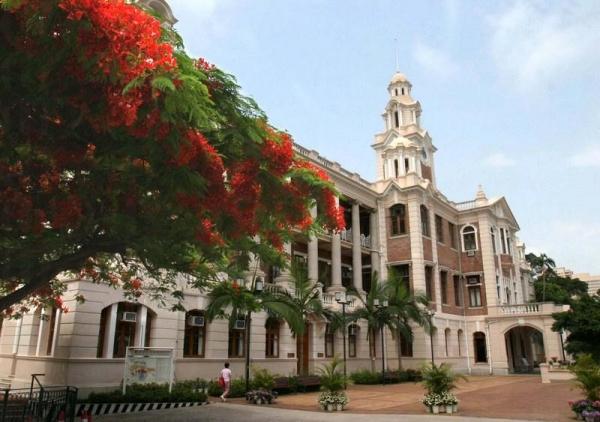 香港大學的前身為孫中山母校香港西醫書院。