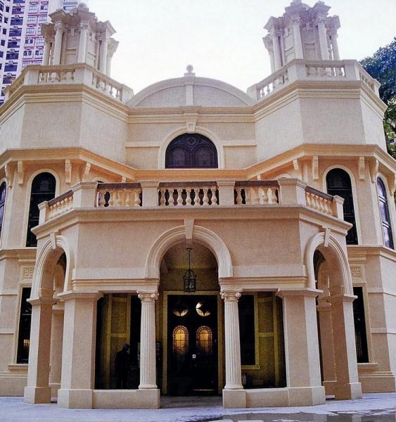 莉亞堂共兩層,按東猶太的建築風格設計,糅合古希臘、土耳其、中東及中世紀西班牙建築特色。