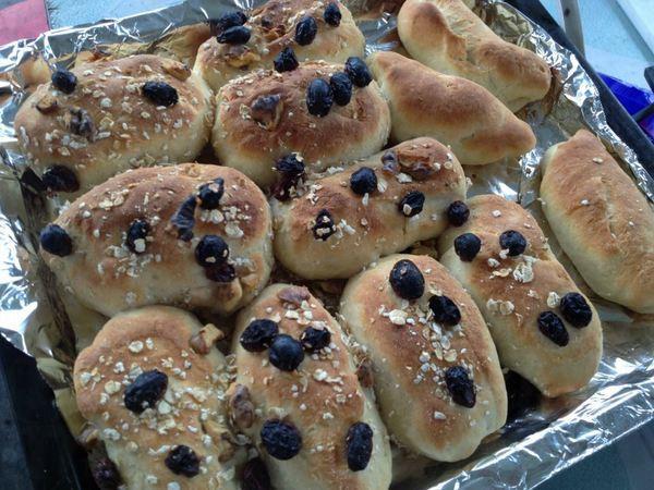 自製的麵包。