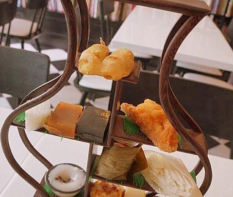 紅荳糕、馬荳糕、白糖糕等全部自家製,亦有懷舊的糖葱餅及眉豆茶粿,堅持走中式茶館路線 (網上圖片)