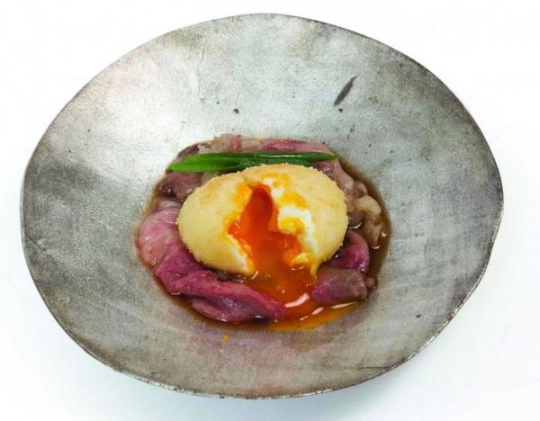 光日本料理黃金玉子伴壽喜燒牛肉 $258 (網上圖片)
