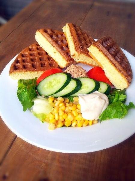 居廬主打All-Day Breakfast及美式窩夫鬆餅