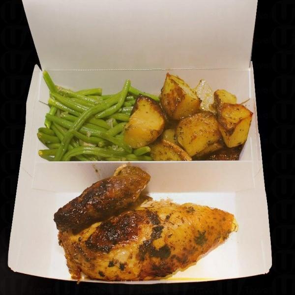 Roast Chicken Lunch Box $68,包括四分一燒雞、配菜、湯或飲品 (逢星期一至五 12nn-2:30pm供應)