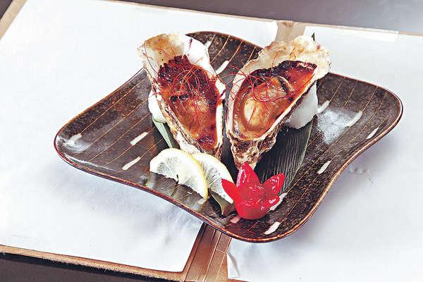 麵豉燒蠔 $32/隻︰選用北海道的蠔,Size適中,加入自家調製過的麵豉醬,啖啖香濃。