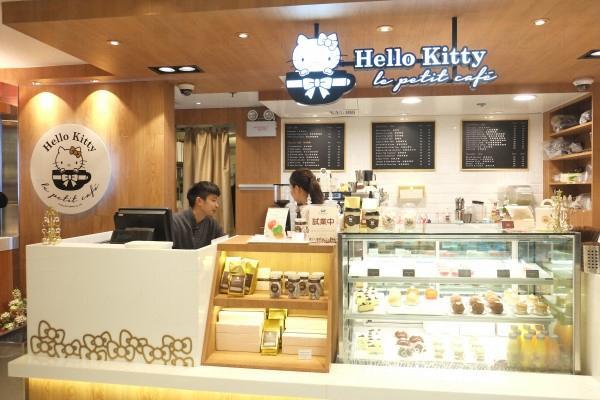 Hello Kitty Le Petit Café 於銅鑼灣 SOGO 內的 Counter。