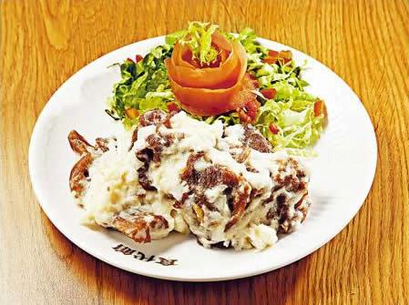 蛋白炒牛肉($46)。(迷你鑊)
