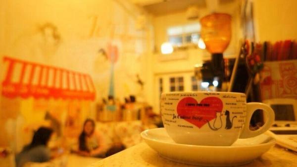 現在咖啡店會舉辦每種的讀書會、電影分享會等,更有組織參觀有機農場、製作麵包送給區內老人等活動